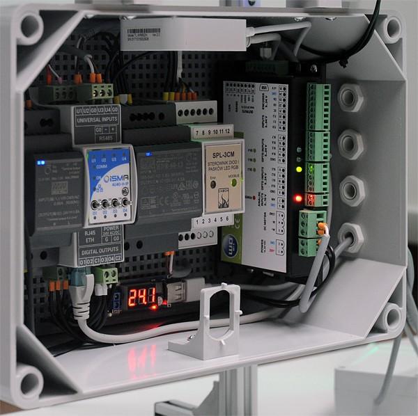 Sterownik silników szczotkowych SID116 zarządza napowietrzaniem fotobioreaktora